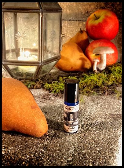 CELLAR PERFUME OIL 5 ml - Damp Earth, Stone, Wooden Casks, Cool Fall Air,  Apple, Pear, Broom Corn