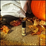 HALLOWEEN NIGHT PERFUME OIL 5 ml - Sweet Candy Corn, Chocolate Candy Wrappers, Melty Gooey Marshmallows, Sticky Caramels & Black Jelly Beans