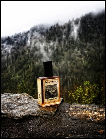 SMOKY MOUNTAIN MALLOW EAU DE PARFUM (EDP) 60 ml Perfume Spray -  Wood Smoke, Fossilized Amber Resin, Lapsang Souchong CO2, Guaiacwood, Labdanum, Nutmeg EO, Marshmallow
